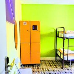 Отель Red Nest Hostel Испания, Валенсия - отзывы, цены и фото номеров - забронировать отель Red Nest Hostel онлайн сейф в номере