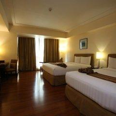 Crown Regency Hotel and Towers Cebu 4* Номер Делюкс с различными типами кроватей