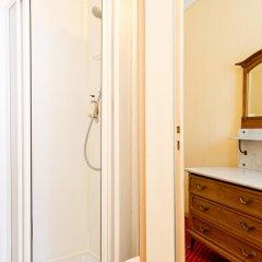 Отель Hôtel Continental Эвиан-ле-Бен ванная фото 2