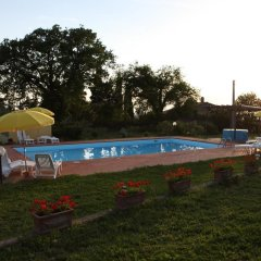 Отель Vigna Lontana Монтескудаио бассейн