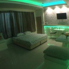 Отель Phuket Airport Suites & Lounge Bar - Club 96 развлечения