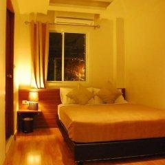 Отель White House Asoke Sukhumvit 18 2* Номер Делюкс разные типы кроватей фото 6