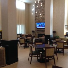 Отель Holiday Inn Express & Suites Geneva Finger Lakes питание