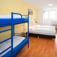 Отель a&o Prag Metro Strizkov 3* Стандартный семейный номер с двухъярусной кроватью фото 2