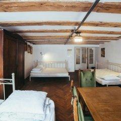 Art Hostel Кровать в общем номере с двухъярусной кроватью