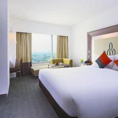 Отель Novotel Bangkok Silom Road 4* Улучшенный номер с различными типами кроватей фото 4
