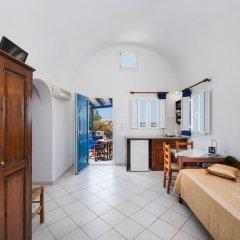 Отель Georgis Apartments Греция, Остров Санторини - отзывы, цены и фото номеров - забронировать отель Georgis Apartments онлайн комната для гостей фото 5