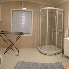Отель Bustad Норвегия, Тромсе - отзывы, цены и фото номеров - забронировать отель Bustad онлайн ванная фото 2