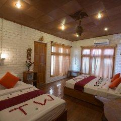 Teak Wood Hotel 3* Стандартный семейный номер с различными типами кроватей фото 2