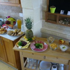 Отель Gozo Hills Bed and Breakfast питание
