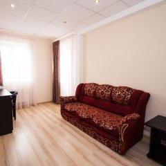 Гостиница Робинзон 2* Стандартный семейный номер с двуспальной кроватью фото 4