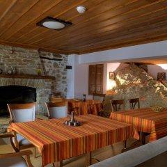 Отель Dragneva Guest House Болгария, Чепеларе - отзывы, цены и фото номеров - забронировать отель Dragneva Guest House онлайн интерьер отеля
