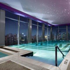Renaissance Shanghai Yu Garden Hotel бассейн