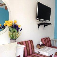 Отель Lovely Rest Стандартный семейный номер с разными типами кроватей фото 9