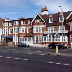 Отель Smart Sea View Brighton парковка
