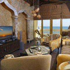 Victoria Palace Beach Hotel интерьер отеля
