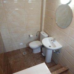 Отель Kripis House Греция, Пефкохори - отзывы, цены и фото номеров - забронировать отель Kripis House онлайн ванная фото 2