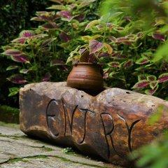 Отель Mingtang Garden Cottage 名堂花园度假屋 Непал, Покхара - отзывы, цены и фото номеров - забронировать отель Mingtang Garden Cottage 名堂花园度假屋 онлайн спортивное сооружение