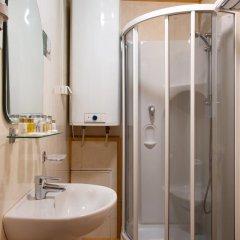 Гостиница Истра Holiday в Трусово 2 отзыва об отеле, цены и фото номеров - забронировать гостиницу Истра Holiday онлайн ванная фото 2