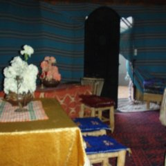 Отель Merzouga Camp Марокко, Мерзуга - отзывы, цены и фото номеров - забронировать отель Merzouga Camp онлайн интерьер отеля фото 2