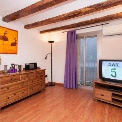 Отель Rustic Poble Sec Apartment Испания, Барселона - отзывы, цены и фото номеров - забронировать отель Rustic Poble Sec Apartment онлайн комната для гостей фото 4