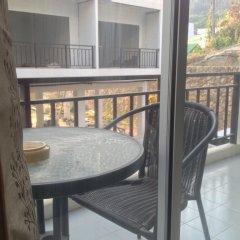 Отель Ezy House Patong балкон