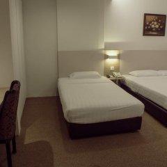 VIP Hotel 2* Улучшенный номер с двуспальной кроватью фото 17
