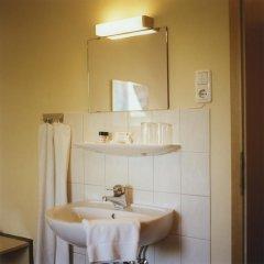 Hotel Jedermann 2* Стандартный номер с двуспальной кроватью (общая ванная комната) фото 3