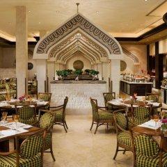 Отель Sharq Village & Spa питание фото 3