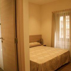Отель Hostal Excellence Барселона комната для гостей фото 5