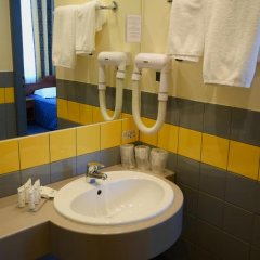 Hotel Tumski 3* Стандартный семейный номер с разными типами кроватей фото 10