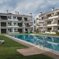 Отель Akisol Vilamoura Emerald II Португалия, Виламура - отзывы, цены и фото номеров - забронировать отель Akisol Vilamoura Emerald II онлайн бассейн фото 2
