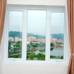 Ha Long Park Hotel 2* Улучшенный номер с различными типами кроватей фото 2