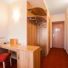 Гостиница Охтинская 3* Стандартный номер с двуспальной кроватью