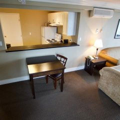 Отель Century Plaza Hotel & Spa Канада, Ванкувер - отзывы, цены и фото номеров - забронировать отель Century Plaza Hotel & Spa онлайн удобства в номере