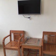 Отель Thang Long Guesthouse Стандартный номер с двуспальной кроватью фото 4
