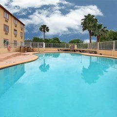 Отель Comfort Inn Kingsville Кингсвилль бассейн фото 2