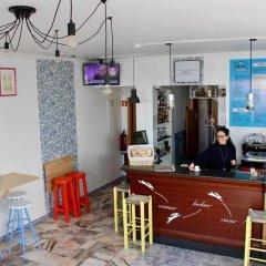 Rich & Poor Hostel Albufeira гостиничный бар