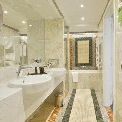 Отель Savoy 5* Улучшенный номер с двуспальной кроватью фото 15