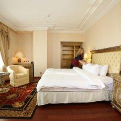 Гостиница Crowne Plaza Minsk 5* Представительский номер разные типы кроватей фото 3
