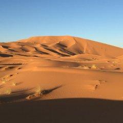Отель Le Mirage Erg Chebbi Luxury Desert Camp Марокко, Мерзуга - отзывы, цены и фото номеров - забронировать отель Le Mirage Erg Chebbi Luxury Desert Camp онлайн приотельная территория