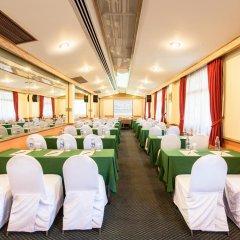 Отель Pinnacle Lumpinee Park Бангкок помещение для мероприятий
