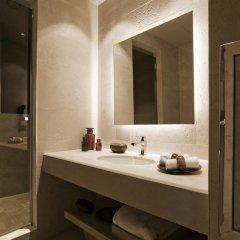 Отель A.Roma Lifestyle 4* Номер Делюкс с двуспальной кроватью фото 2