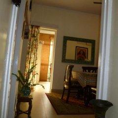 Отель Mayas Nest Индия, Нью-Дели - отзывы, цены и фото номеров - забронировать отель Mayas Nest онлайн балкон