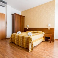 Hotel Monica 3* Стандартный номер с разными типами кроватей фото 11