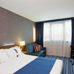 Отель Holiday Inn Express Lisbon Airport 3* Стандартный номер с различными типами кроватей фото 2