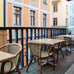 Отель Seagulls Garret Hostel Латвия, Рига - отзывы, цены и фото номеров - забронировать отель Seagulls Garret Hostel онлайн балкон