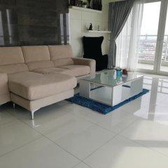 Отель Blue Ocean Suite Паттайя комната для гостей фото 2