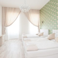 Апартаменты Royal Resort Apartments Westbahnhof Vienna Вена комната для гостей