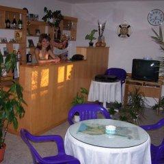 Отель Guest House Kostandara Болгария, Поморие - отзывы, цены и фото номеров - забронировать отель Guest House Kostandara онлайн интерьер отеля